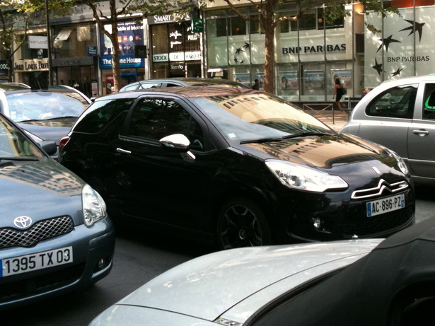 Citron DS3 dans Paris